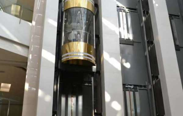 What are the advantages and disadvantages of hydraulic elevators