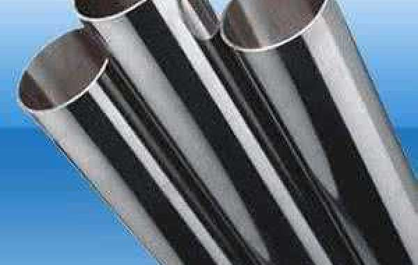 What are the advantages of alloy steel seamless pipe material?